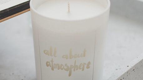 Love Inc. Bílá svíčka All about atmosphere - fíky a růže, bílá barva, sklo, dřevo, vosk