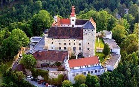 Nádherný pobyt v romantickém zámku na kopci v Dolním Rakousku - Hotel Schloss Krumbach ****