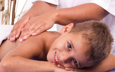 Relax pro vaše dítko: dětská masáž s vůní kokosu