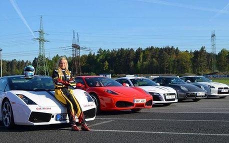 Závodní den se supersporty