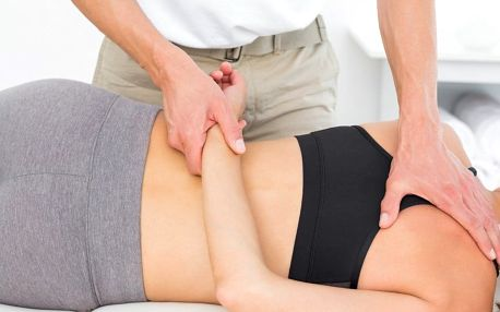 Když pohyb bolí: masáž Dornovou metodou
