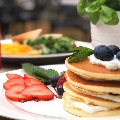 Bohatá slaná či sladká snídaně na Vinohradech