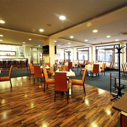 Menu pro 2 či 4 osoby v Hotelu Central v Plzni