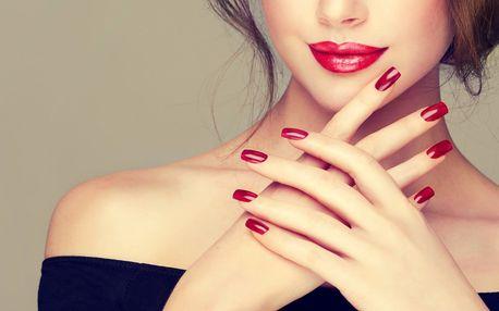 Kompletní péče o ruce: manikúra dle výběru