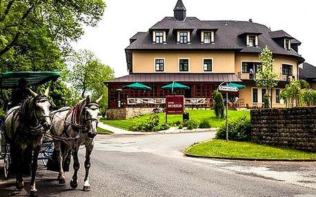 Romantický pobyt v Golf hotelu Morris****, polopenze, vstup do wellness, procedura dle výběru.
