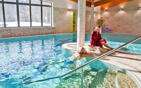 Beskydy s nádechem luxusu ve 4* hotelu u města Rožnov pod Radhoštěm s neomezeným wellness, pronájmem kurtů a polopenzí