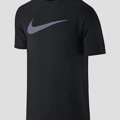 Tričko Nike TEE-CHEST SWOOSH Černá