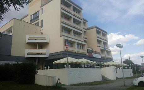 Hotel Lucia navržený jako loď