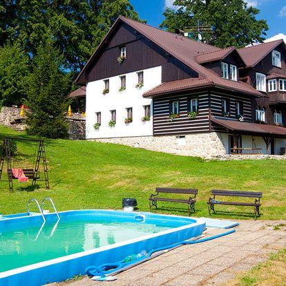 Chata pod Lipami v Krkonoších s polopenzí, bazénem a saunou