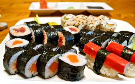 Sushi sety v restauraci i pro odnos s sebou