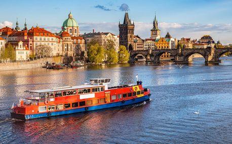 Letní vyhlídkové plavby po Vltavě s výkladem či rautem