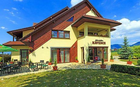 Okouzlující Liptov v moderním penzionu s polopenzí a slevou do Tatralandie a termálů Bešeňová + dítě do 5,9 let zdarma