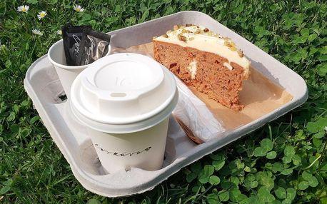 Káva i dort s sebou v srdci Smíchova
