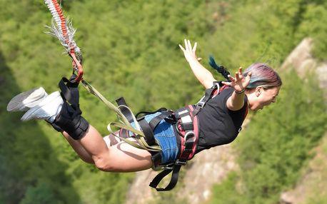 Bungee jumping 50 metrů, skok z jeřábu
