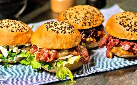 Jehněčí nebo Bacon Cheese Burger v domácí bulce