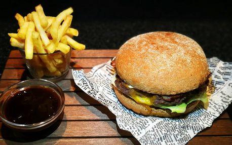 Rustikální burger s hranolky a domácím dipem
