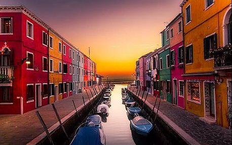 Romantický víkend v Benátkách. Zájezd na ostrovy Burano a Murano nebo koupání na ostrově Lido.