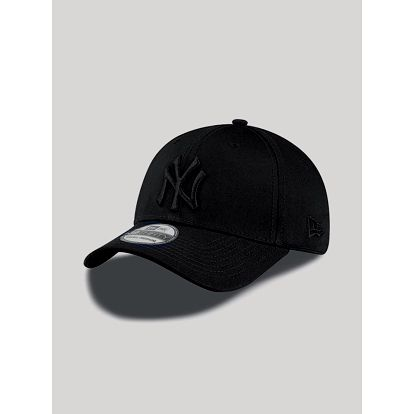 Kšiltovka New Era 3930 MLB League Basic NEYYAN Černá