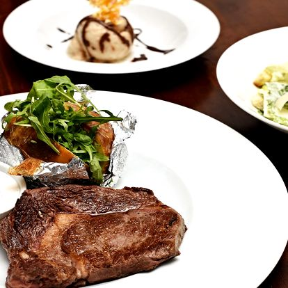 Degustační menu pro 2: salát, steak i sorbet