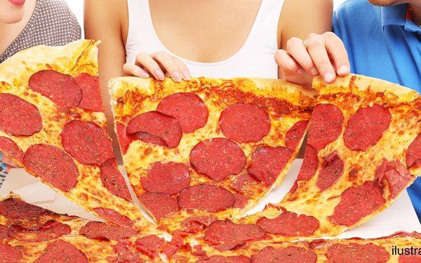 Největší pizza v Brně s průměrem 60 cm s sebou
