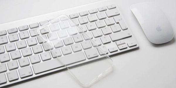 Tvrzené sklo či průhledný obal na iPhone až do řady X3
