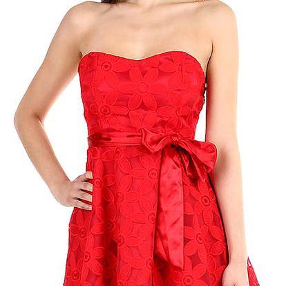 Červené dámské šaty bez ramínek červená