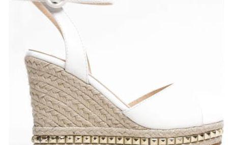 Dámské bílé sandály na klínku Carlita 2084