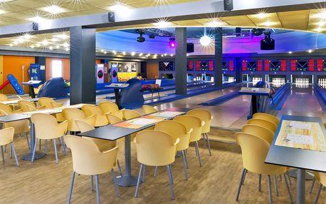 2 hodiny bowlingu pro 8 hráčů a kilo řízků