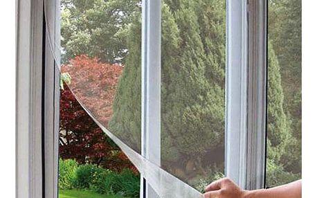 Samolepicí okenní síť proti hmyzu 150 x 130 cm