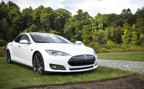 Limuzína s duší supersportu, jízda ve voze Tesla