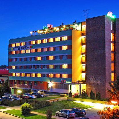 Jižní Morava v hotelu s vínem, vstupem na koupaliště, polopenzí i s balíčkem slev + 3. osoba zdarma