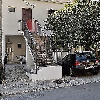 Chorvatsko - Střední Dalmácie: Apartmány Rudež II. vlastní dopravou s polopenzí