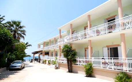 Řecko - Korfu: Hotel Athena letecky z Brna s polopenzí