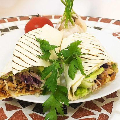 Kuřecí nebo hovězí kebab a pití na Vinohradech