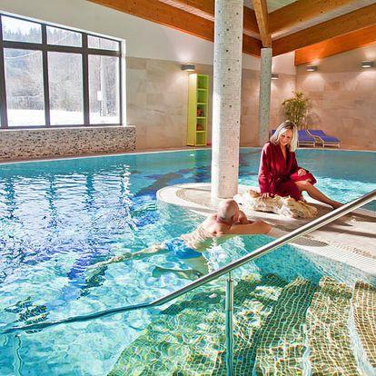 Pohádkové Beskydy v luxusním 4* hotelu u města Rožnov pod Radhoštěm s neomezeným wellness, pronájmem kurtů a polopenzí