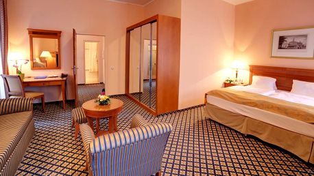 Spa Hotel Lauretta**** ve Varech s procedurami a polopenzí