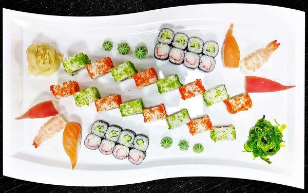 28 či 38 kousků sushi: losos, tuňák i krevety