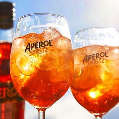 Osvěžte se: 2 míchané drinky Aperol Spritz