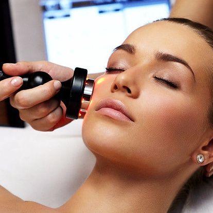 Léčebná kúra: Zlepšení akné pomocí fotonové terapie
