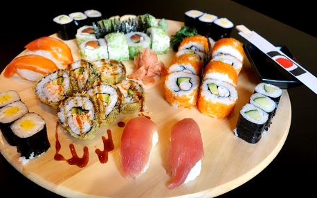 Sushi set Big Sake s 38 ks: losos, tuňák, avokádo