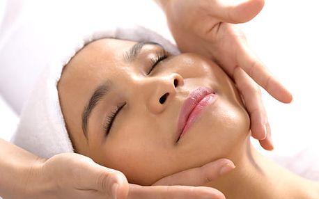 Den pro ženy. Kosmetika, masáž, lifting a prodloužení řas nebo shell lak.