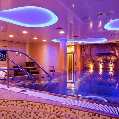Hotel Ambiente**** v Karlových Varech s wellness, procedurou a polopenzí