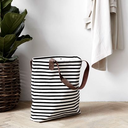 House Doctor Nákupní taška Stripes - užší, černá barva, bílá barva, plast