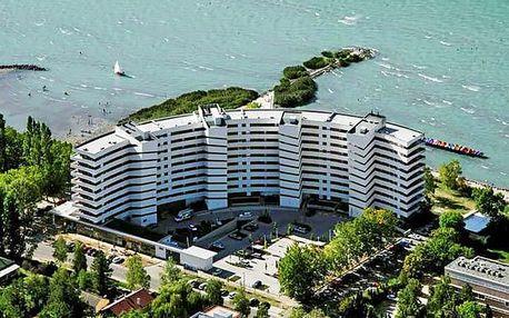 First minute: podzimní Balaton v oblíbeném letovisku Siófok v apartmánu nad pláží + neomezený vstup do wellness a snídaně