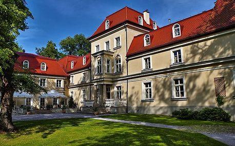 4–6denní luxusní pobyt pro 2 se snídaněmi v hotelu Dwór Sieraków**** u polského Krakova