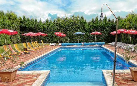 Léto s neomezeným koupáním v penzionu Viktória