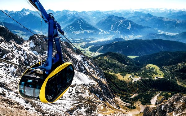 Poznávací zájezdy na Dachstein