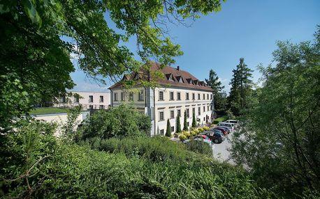 Maxmilian Lifestyle Resort v areálu zámku Loučeň