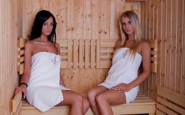 Dvoulůžkový pokoj Executive s manželskou postelí nebo oddělenými postelemi a vstupem do bazénu3