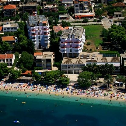 Chorvatsko - Gradac na 8 dní, light all inclusive nebo polopenze s dopravou vlastní 100 m od pláže